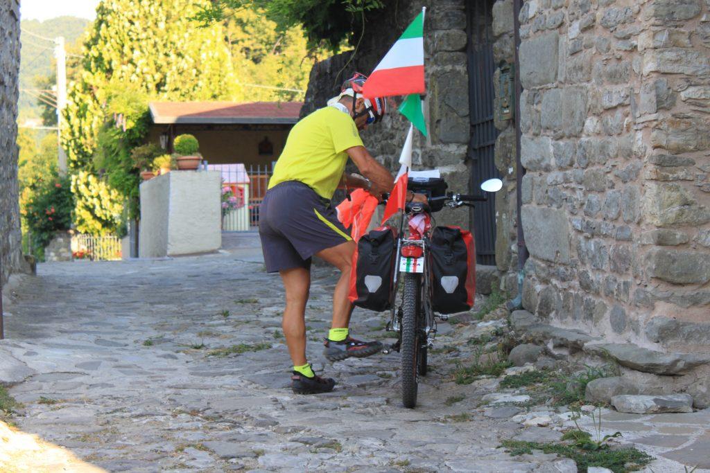 In bicicletta sulla Via Francigena toscana